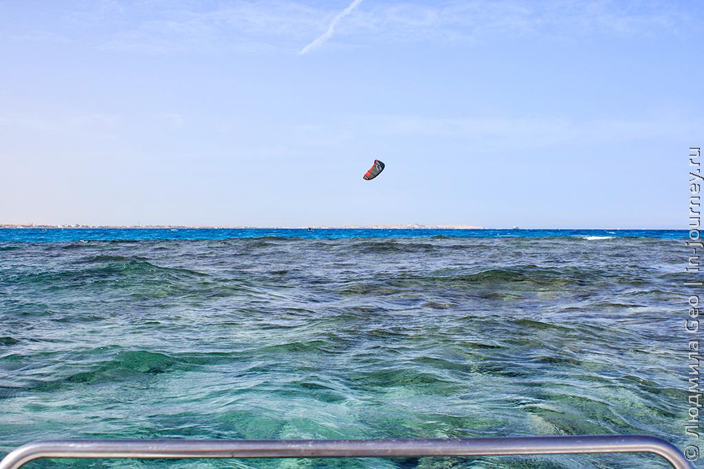 вид на море с катамарана
