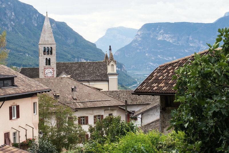 церковь и крыши