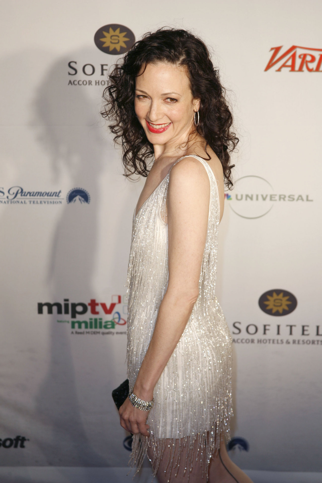 bebe neuwirth dating Bebe neuwirth theatre credits, stage history and theater resume - neuwirth was born in princeton, new jersey, the daughter of sydney anne, an artist, and lee paul.
