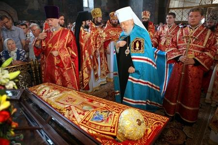 Литургия в день памяти обретения мощей священномученика Владимира (Богоявленского)