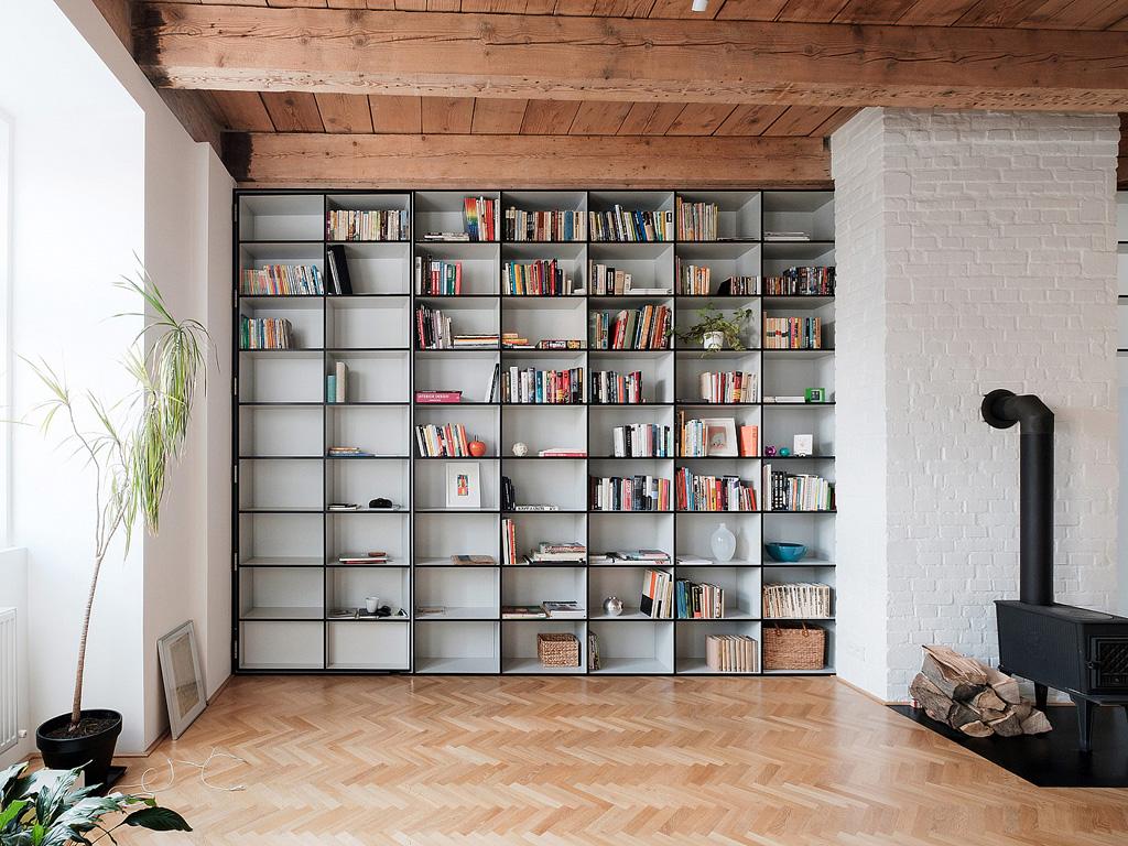 modern-apartment-wiht-hidden-room-10-1360x1020.jpg
