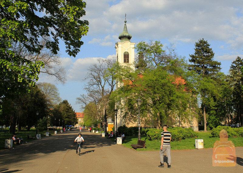 Церковь в Земунском парке
