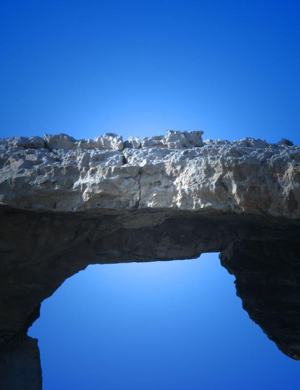 7. Не нужно быть профессиональным геологом, чтобы понять, где и как произойдет катастрофа. Единствен