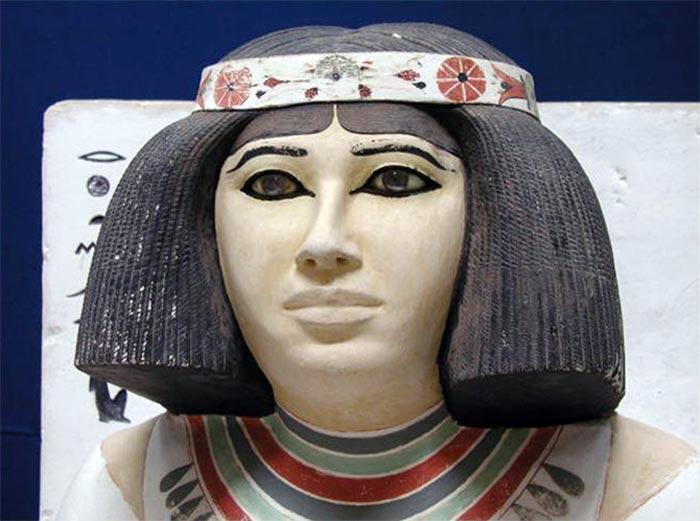 10. Древнеегипетские прически В Древнем Египте многие носили парики из шерсти животных и шелковых ни