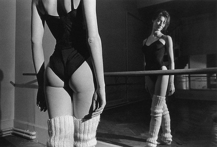 Жанлу Сьефф вспоминал, что набил руку в фотографии, используя в качестве моделей девушек на польском