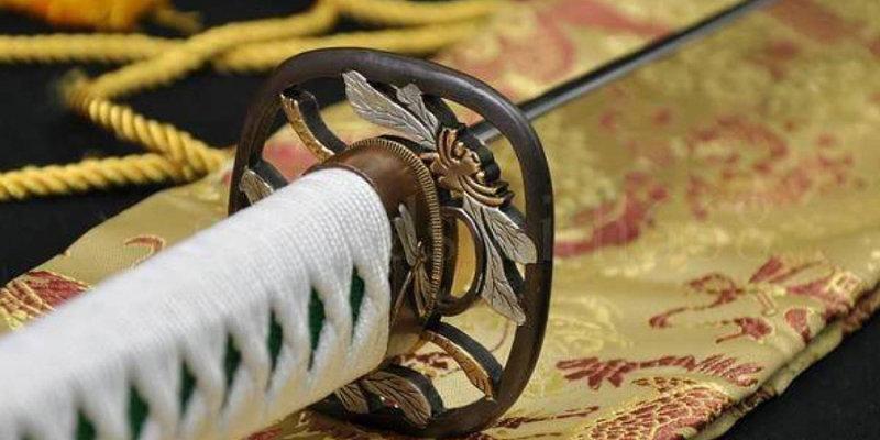 Катана была основным оружием каждого ниндзя. Меч делался из нескольких слоев стали, которые опыт