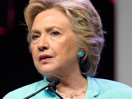 Жители Америки в восстановлении расследования дела Клинтон обвинили РФ
