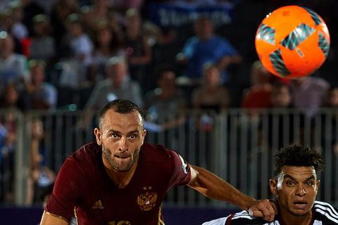 Пляжный футбол. Сборная РФ встретится сБразилией вполуфинале Межконтинентального кубка