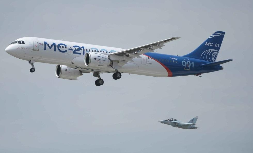 ВКремле прокомментировали 1-ый полет самолета МС-21
