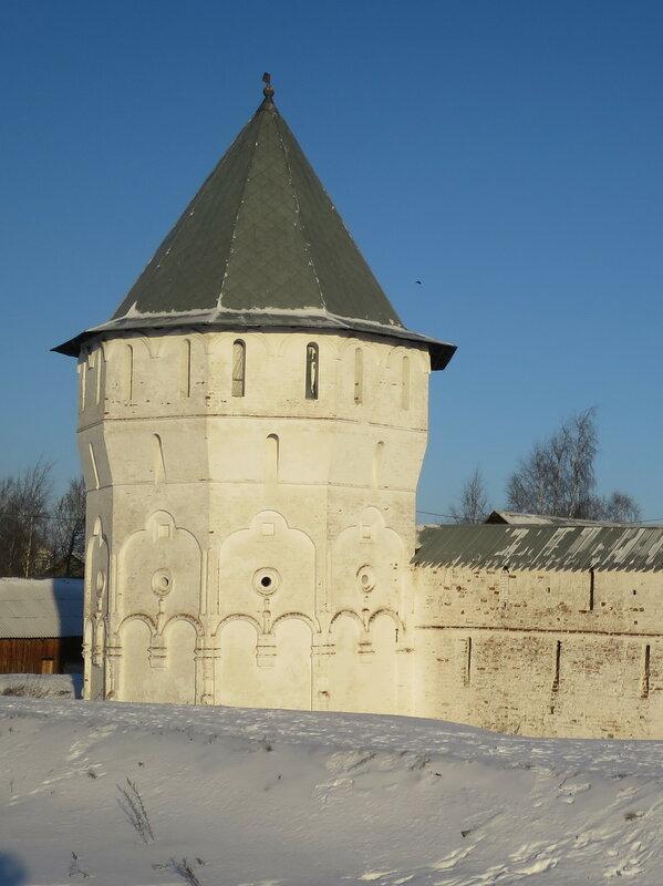 Спасо-Прилуцкий монастырь. Западная башня