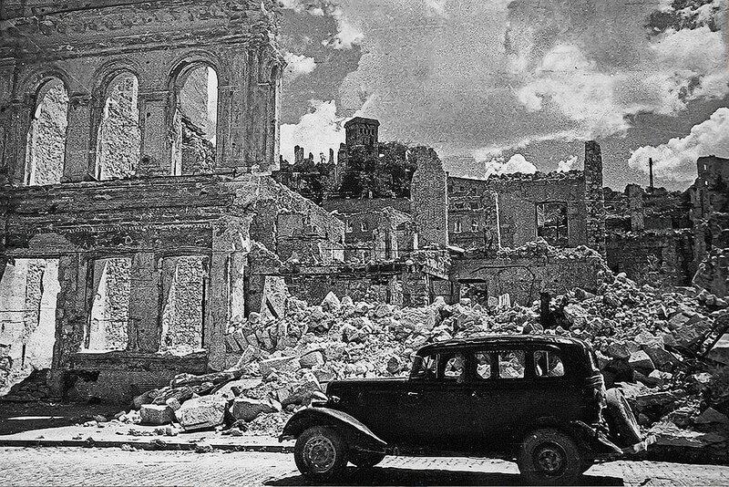 Фотография Е. Халдея(1917 - 1997)Фотохудожник Победы (26).jpg