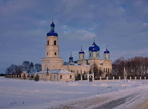 Храм в Зимарово