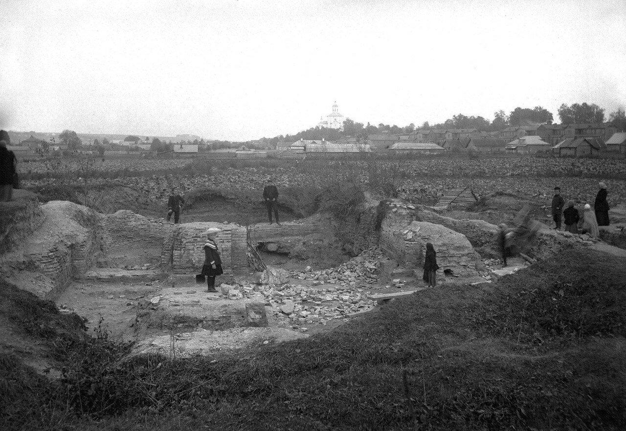 Руины Борисоглебского собора на Смядыни. 1908