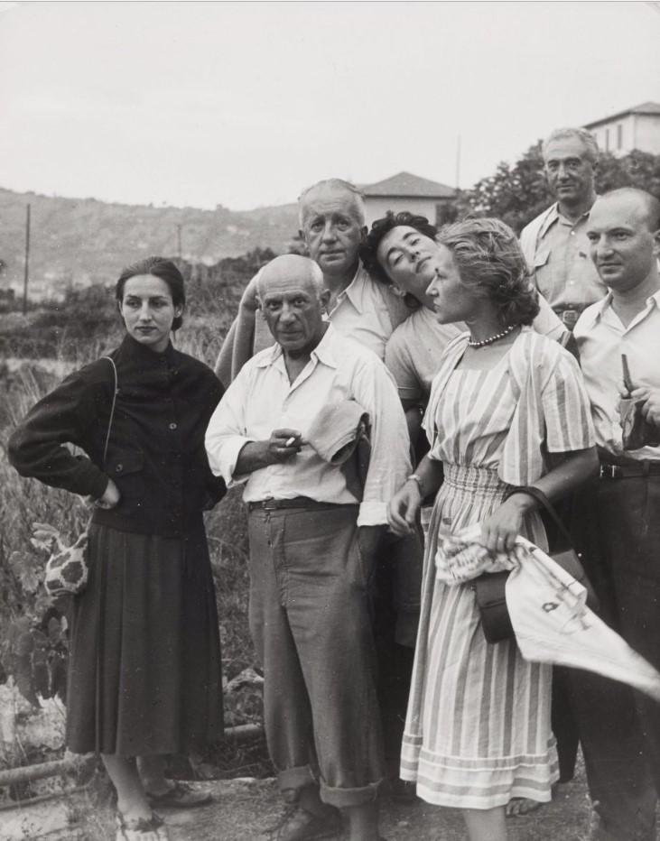 1950. Пабло Пикассо с гостями. Валлорис