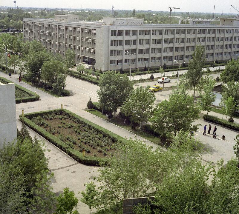 1974 Город Гулистан в Узбекской ССР. Всеволод Тарасевич.jpg