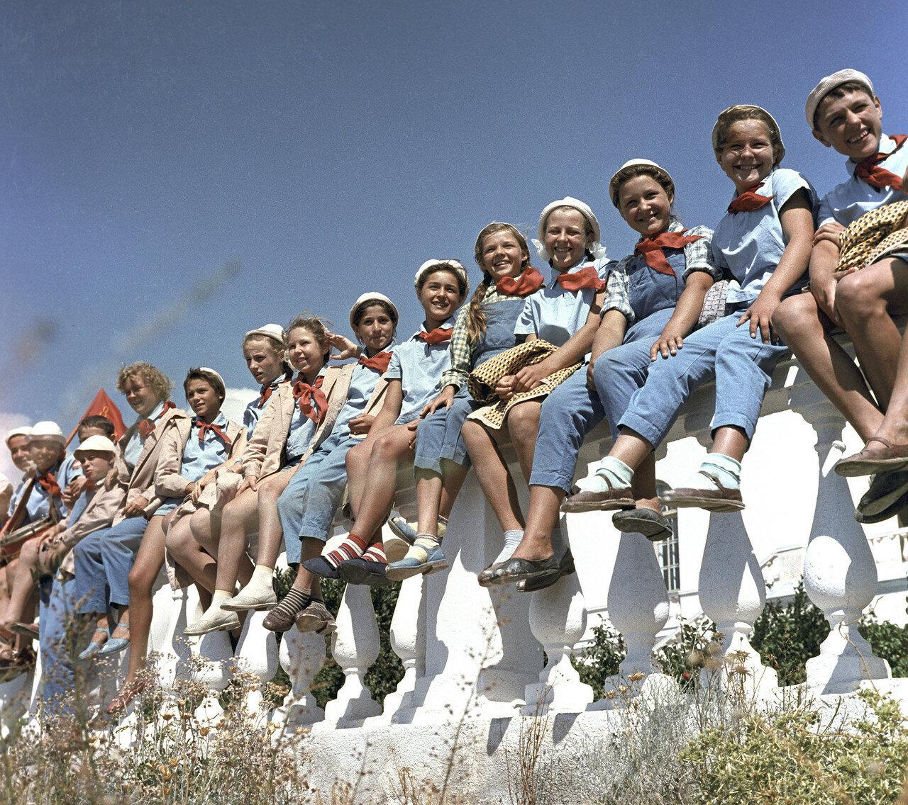 Советские дети в Артеке (13 ФОТО)