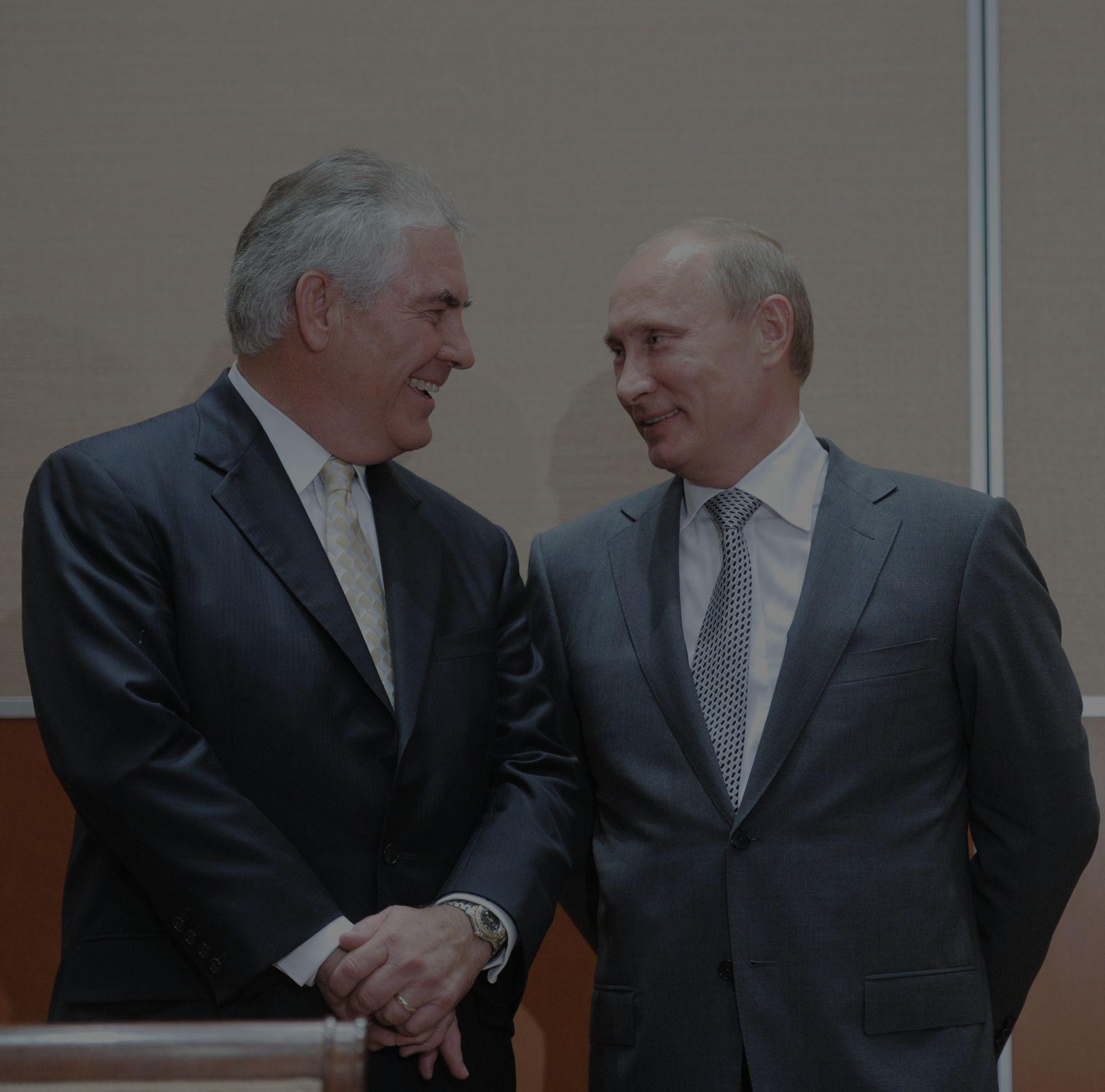 Руководитель  ExxonMobil получит $180 млн зауход споста