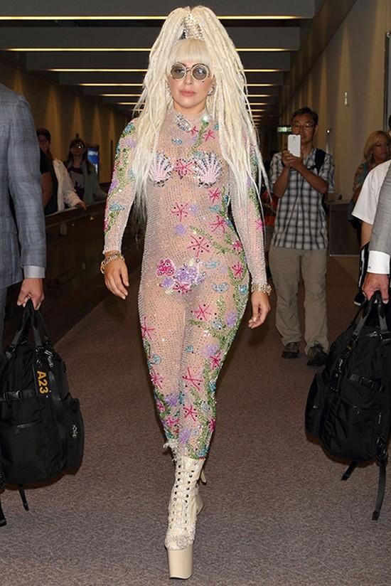 16. Леди Гага, 2013 год