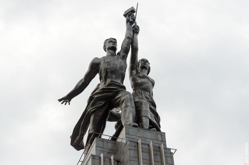 Уже в наше время состоялась реконструкция памятника с сооружением действующего павильона. Когда пров