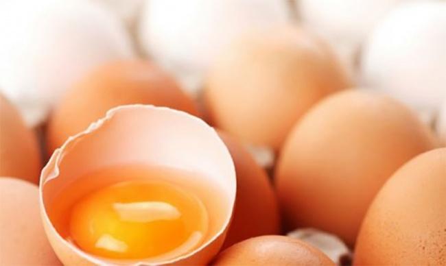 Перед тем как съесть яйцо, обратите внимание нацвет желтка (3 фото)