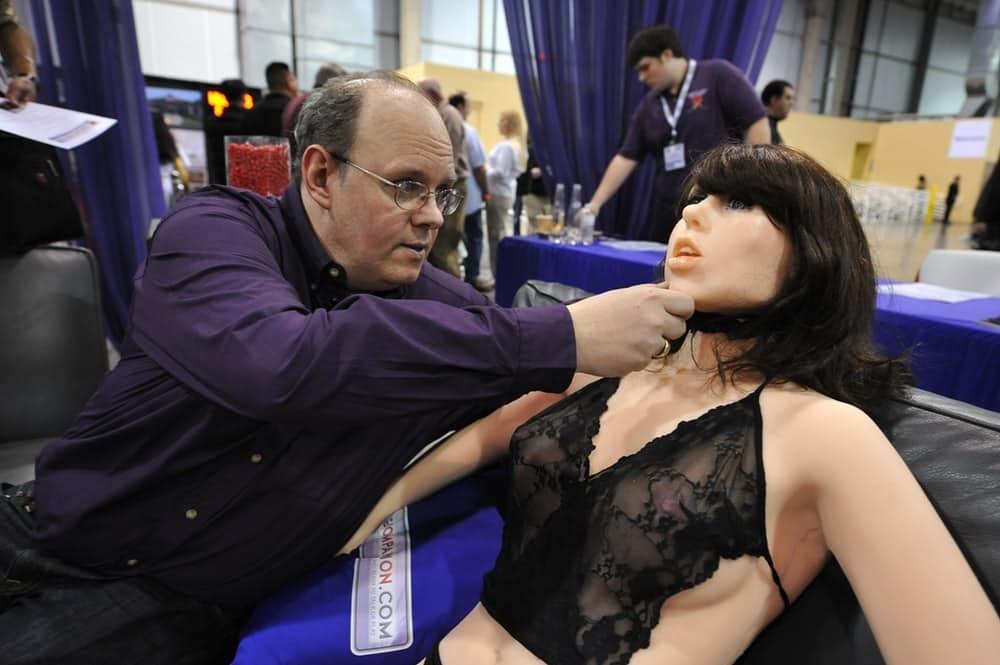 2. Секс-роботы в виде жидких гелей Можем поспорить, что даже если вы никогда о такой штуке не слышал