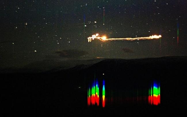 © hessdalen.org  Этот снимок был сделан норвежским фотографом навыдержке 30секунд иявляется