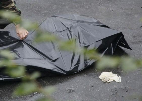Окровавленный труп москвички отыскали вмашине, остановленной занарушение ПДД