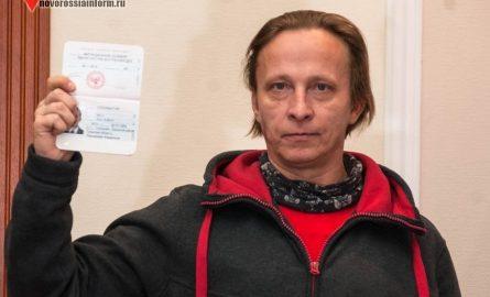 Охлобыстин поведал, зачем выпрашивал наколенях «паспорт ДНР»