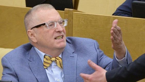 Собянин пригласил Жириновского натанцы