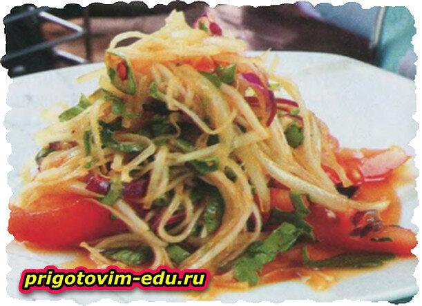Салат из помидоров с дайконом