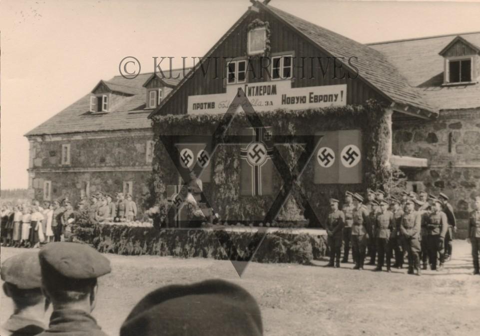 Ukraine_Hitler_Welcomed_1.jpg
