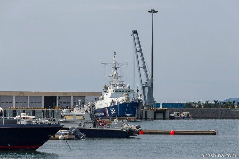Корабли у причала, Сочинский морской порт