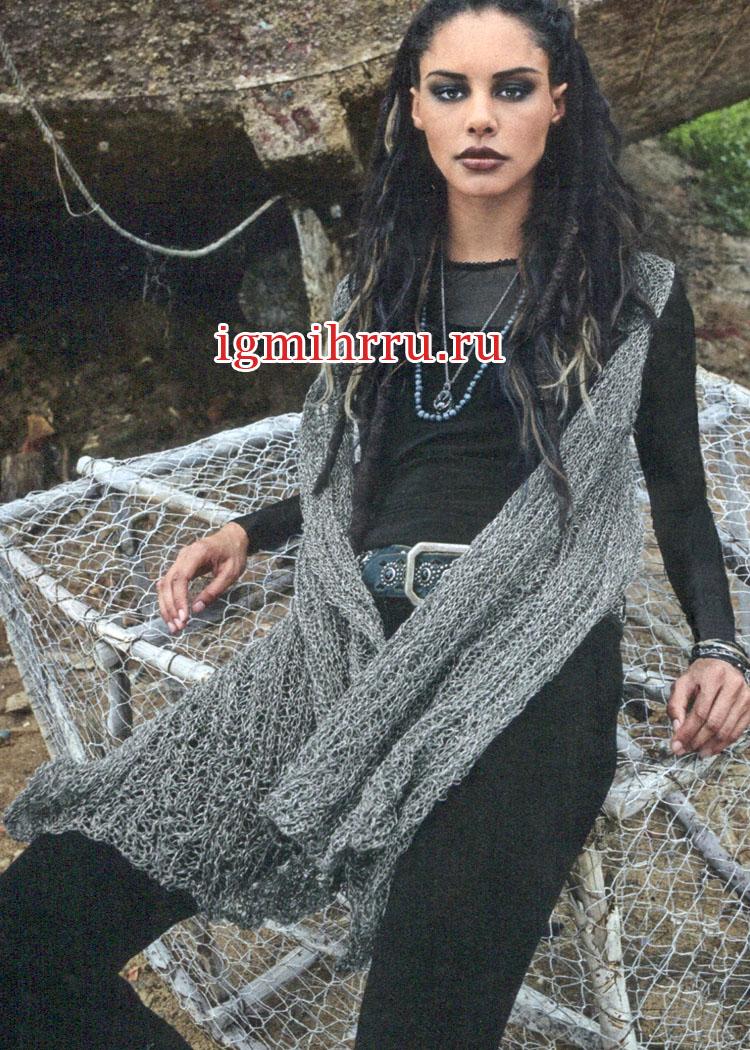Серебристо-серый жилет, связанный единым полотном поперек. Вязание спицами