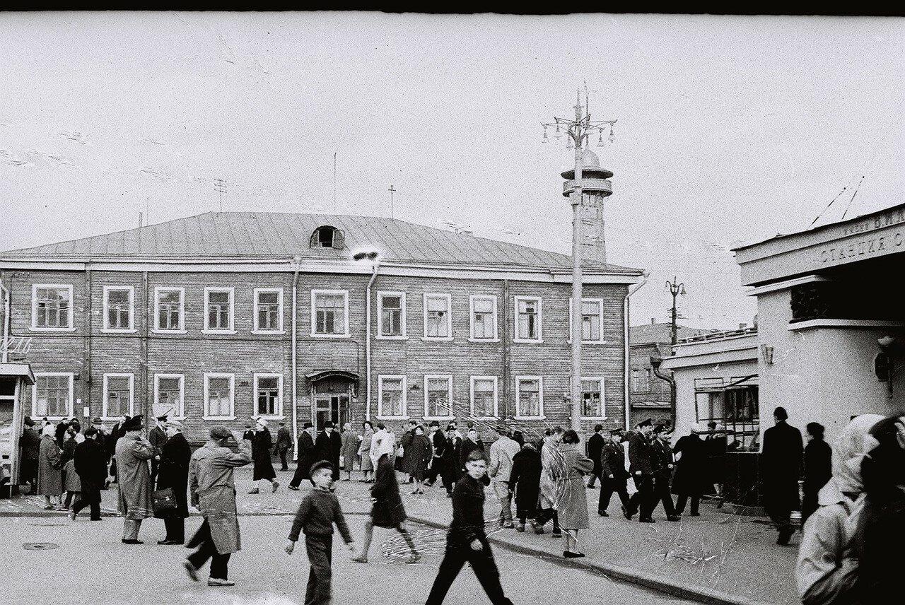 Жданов И. Н. 60-е 1.jpg