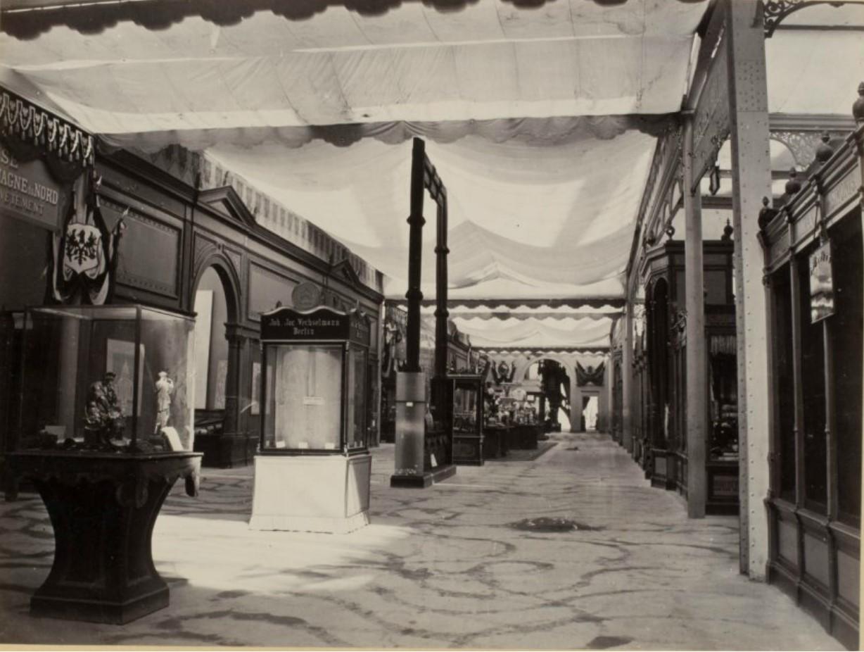 09. «Бельгийская улица», проходившая между бельгийским и прусским секторами