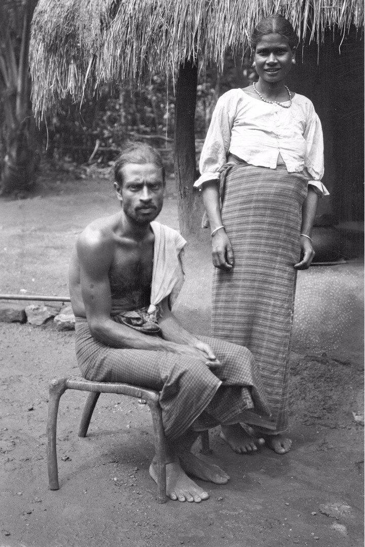 64. Пара сингальцев из Моландени
