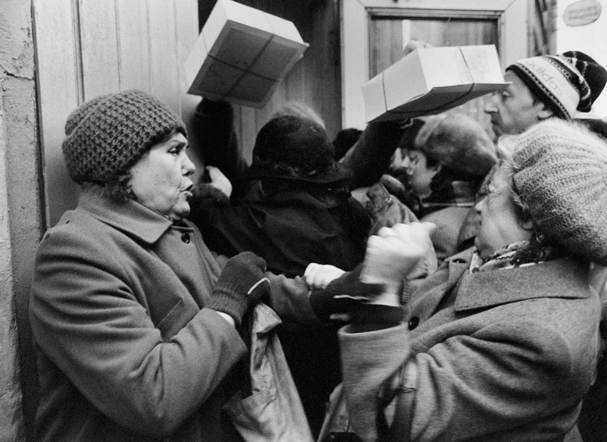 1985. Москва. Давка в очереди за тортами
