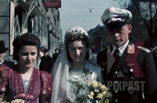 stock-photo-austrian-luftwaffe-officer-air-force-white-summer-cap-medals-awards-ribbon-bar-wedding-vienna-austria-1941-wien-9855.jpg