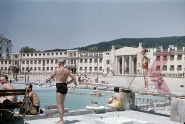 stock-photo-thermal-bath-in-baden-austria-1937-12696.jpg
