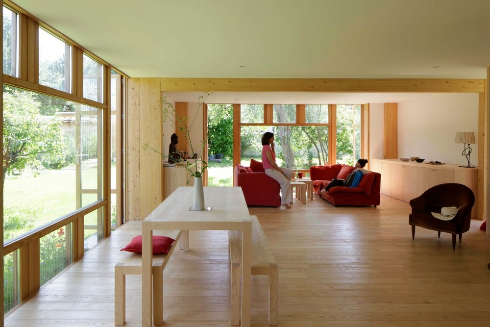 Дом в саду во Франции