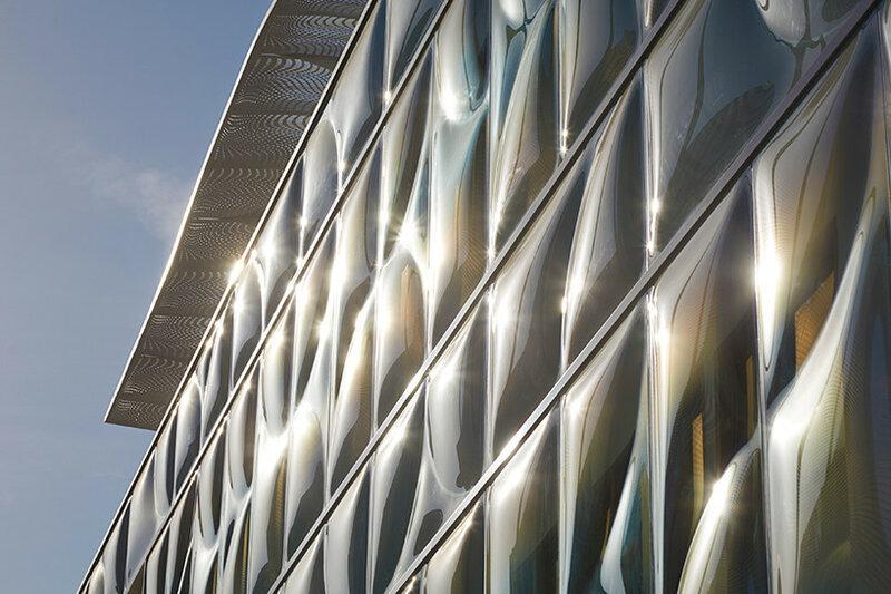 Беверли Хиллз: фактурное остекление офисного здания