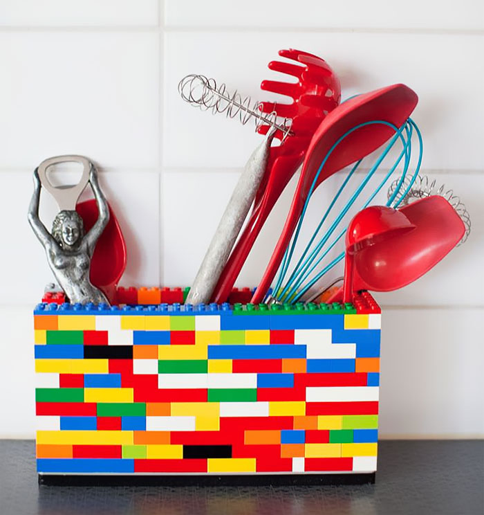 Lego можно найти применение даже на кухне.