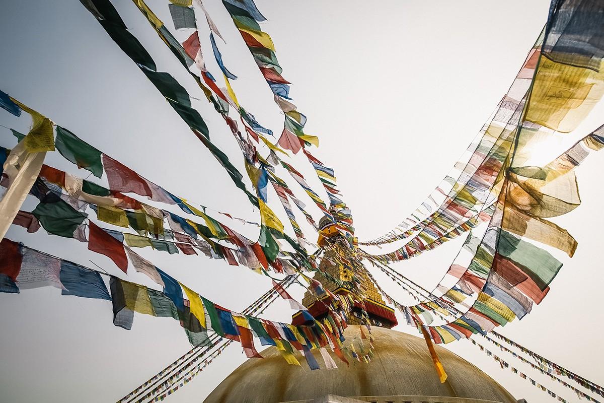 46. Круглый купол символизирует элемент воды, шпиль — огонь, а зонтик на шпиле — воздух.