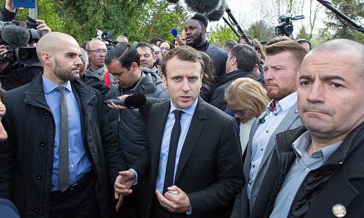 Шнуров вновом стишке высмеял президентские выборы воФранции