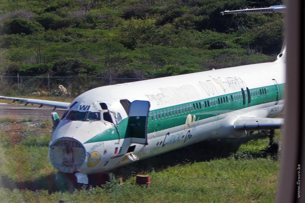 MD-82_N431LF_Insel_Air_1_CUR_resize.jpg