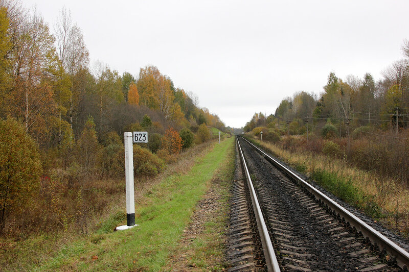 Чтолб 623-й километр, вид на Москву, перегон Гарнея - Себеж, виедн предупредительный сигнал станции Гарнея и уширение