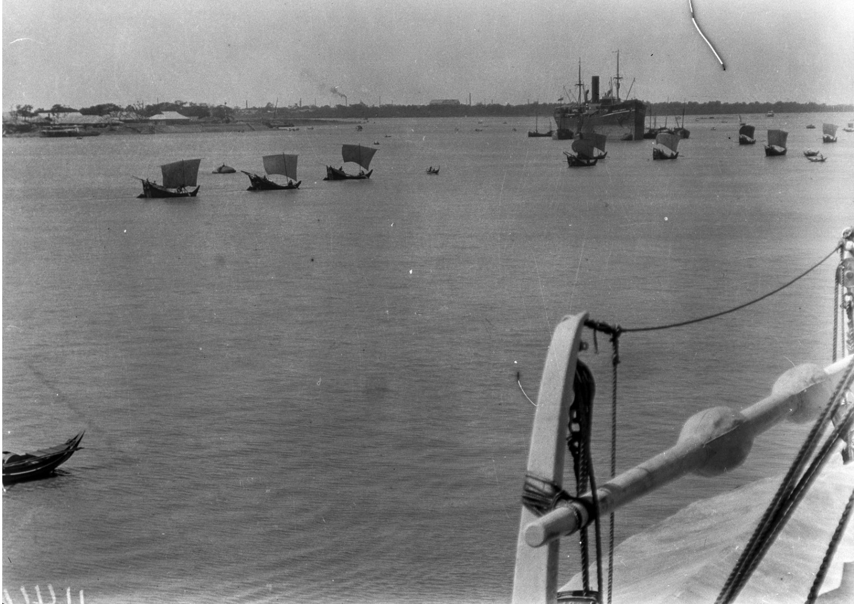 1100. Река Иравади в Рангуне