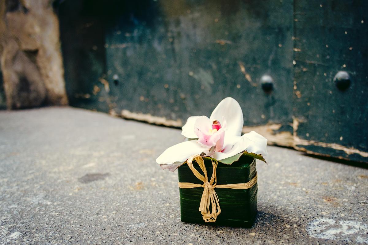 Лютики-цветуёчки...