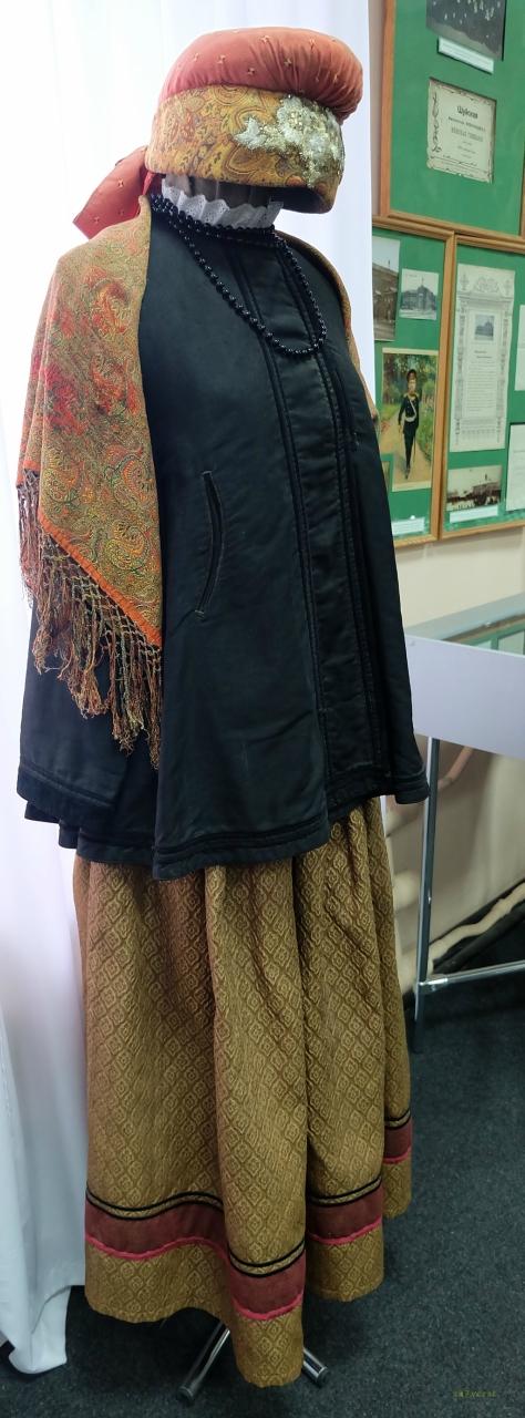 Шуйский краеведческий музей, женский костюм
