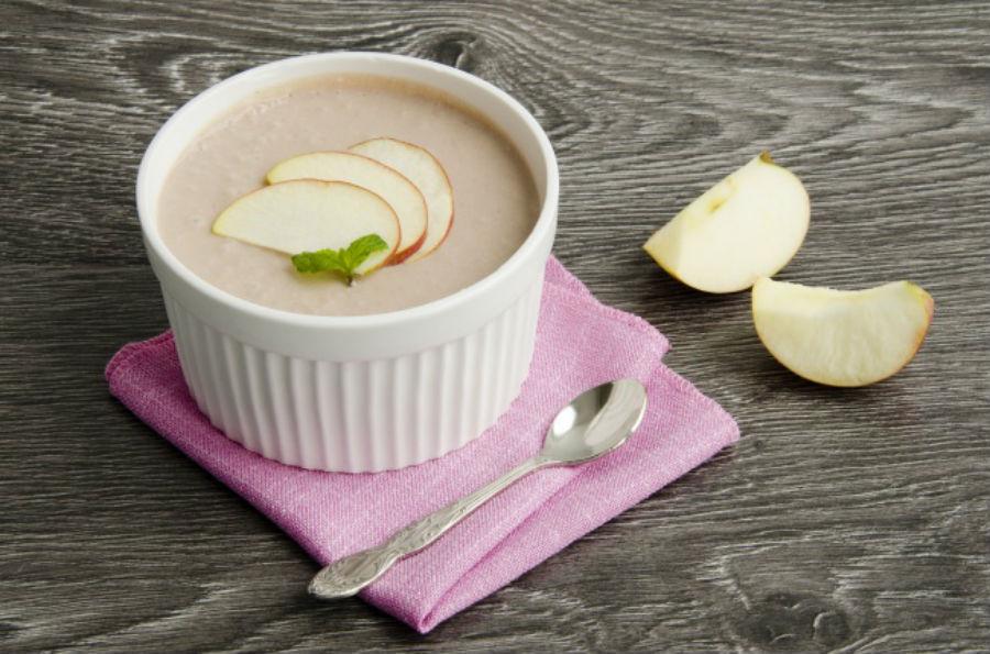 Сырно-яблочный мусс Ингредиенты: 450 г яблочного пюре 200 г мягкого белого сыра 3 яичных белка 1 ст.